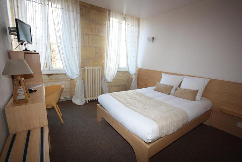 Hôtel des Voyageurs Centre Bastide Bordeaux