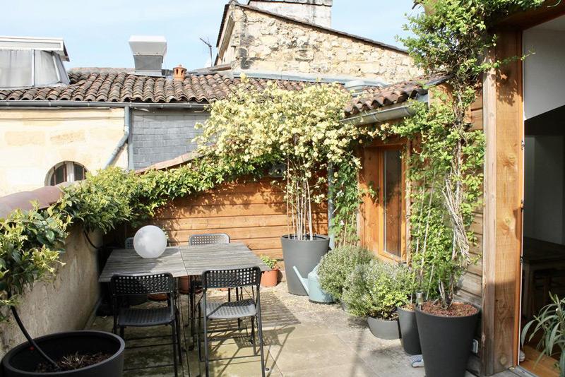 Sous les toits avec terrasse Bordeaux